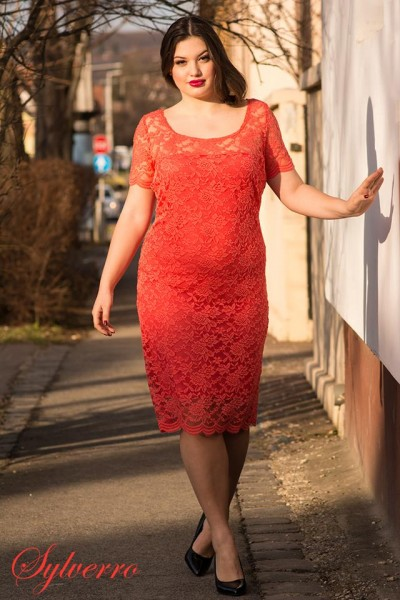 6d3ed9331d Csipke alkalmi fiatalos ruha, elegáns moletti ruha, csipke örömanya ruha.